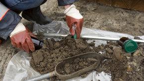 Acht verkennende bodemonderzoeken in twee weken?